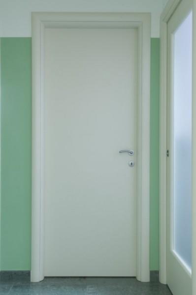 Porta laccata cieca liscia - Laccatura ral 9010